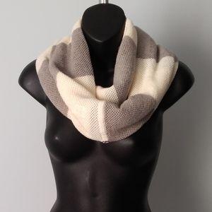 Lululemon 💯% Merino Wool Infinity scarf